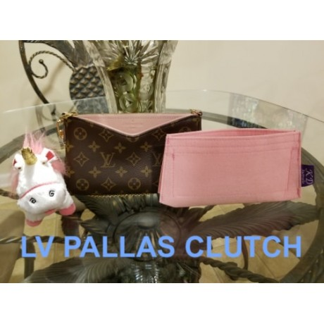 LV Pallas Clutch