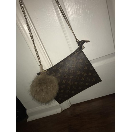LV Toiletry 19 ( With Grommets + Gold Chain )